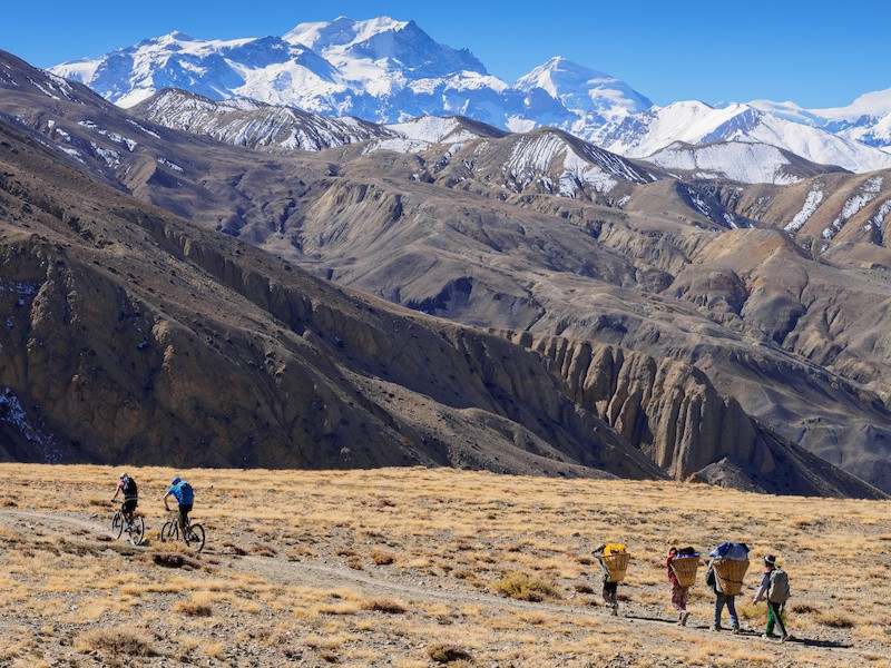 upper-mustang-3sisters-12to15day-trekking-group-nepal.jpg